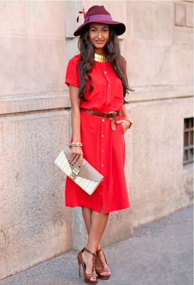 red-vintage-pierre-balmain-dress-maroon-gucci-hat-beige-ita-collection-bag_400