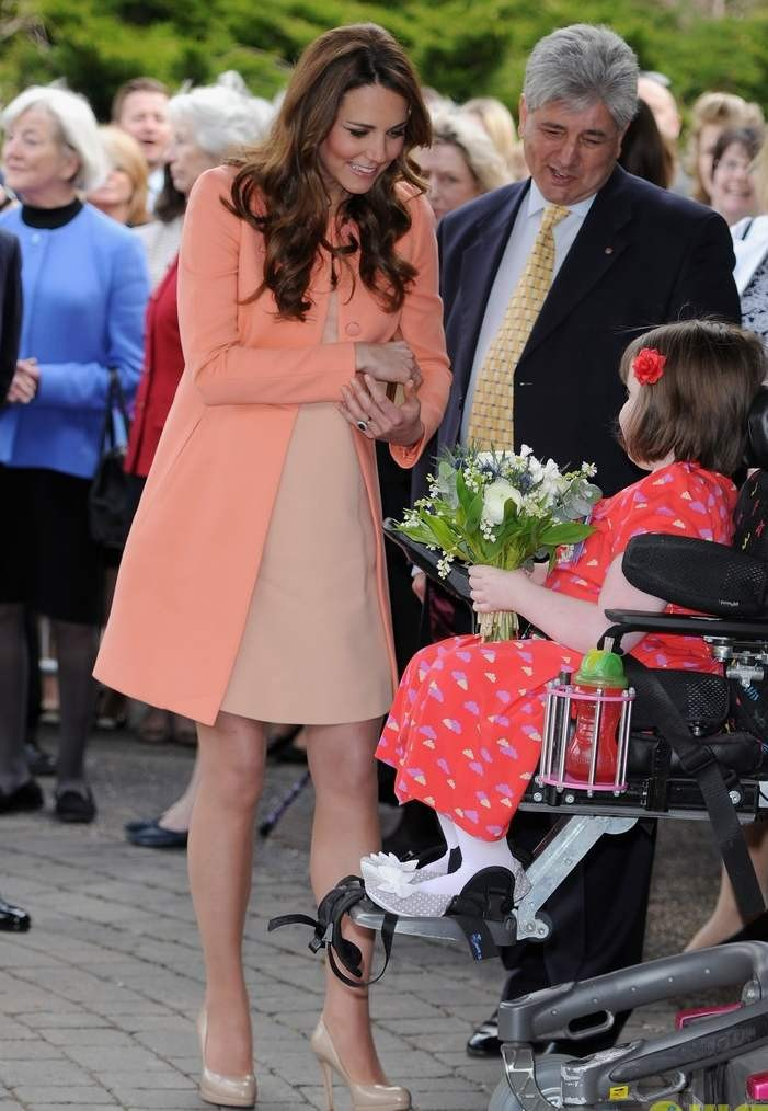 kate-middleton-visits-naomi-house-speaks-in-recorded-video-05